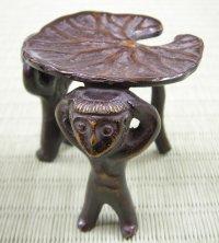 画像1: 【茶道具】 蓋置 唐銅 雨宿り  *河童*