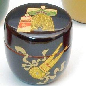 画像1: 【茶道具】 中棗 木質 手描き蒔絵 立雛 (楽器・ひな祭り)  *12カ月揃のうち3月* (1)
