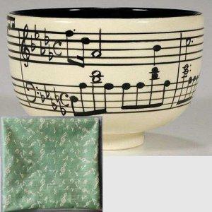 画像1: 【茶道具:楽器セット】 鳴神月セット (茶碗 楽譜 ショパン 「雨だれの前奏曲」+古帛紗 紹巴 音符裂)  音楽*楽器*茶器* (1)